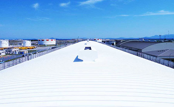 warehouse roof with solar reflective coatings